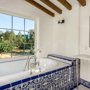ванная в средиземноморском стиле